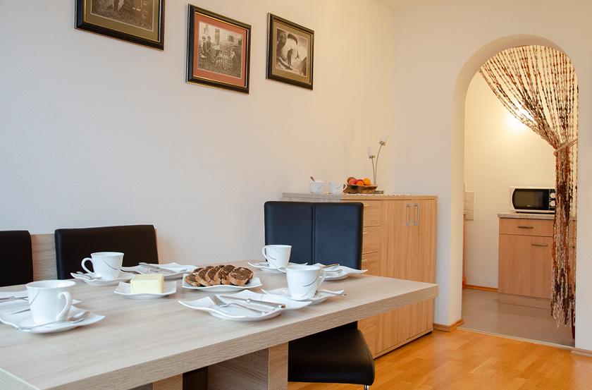 appartement_sonnenblume_esszimmer1_lechtal_appartements_holzgau_familie_ferienwohnungen_0007_DSC_0156