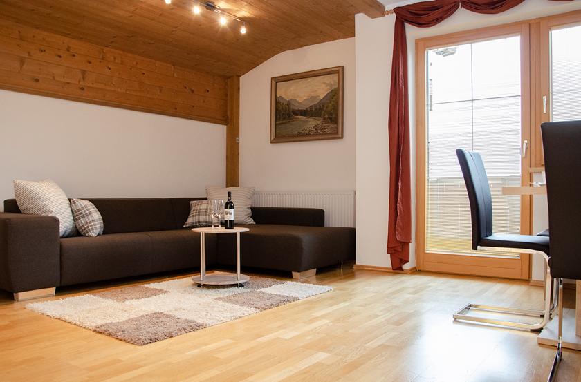 appartement_sonnenblume_esszimmer1_lechtal_appartements_holzgau_familie_ferienwohnungen_0012_DSC_0132