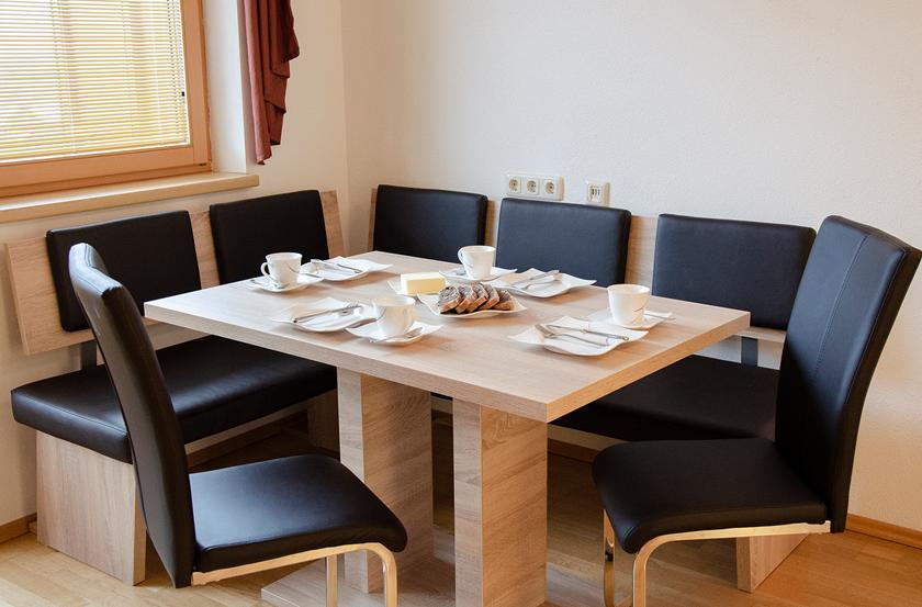 appartement_sonnenblume_esszimmer1_lechtal_appartements_holzgau_familie_ferienwohnungen_0015_DSC_0011
